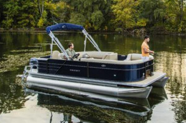 Crest Pontoon Boats I Fish 220 SF