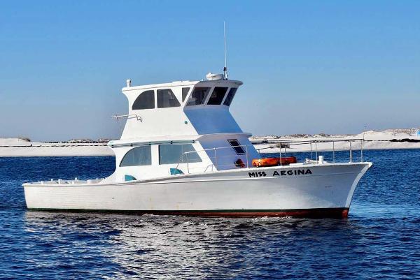 Thompson Custom Charter Starboard Broadside Profile