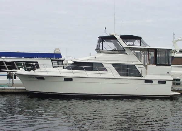 Carver 4207 Aft Cabin Motoryacht Photo 1