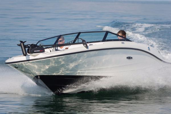 Sea Ray 19 SPX Outboard