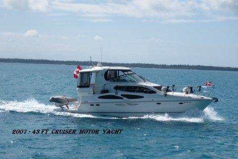 Cruisers 415 Express Motoryacht