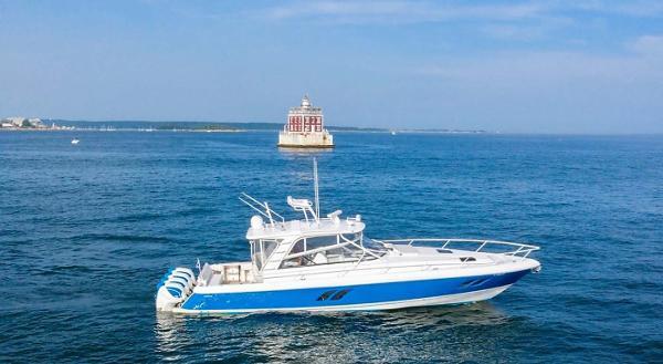 Intrepid 475 Sport Yacht Main Profile