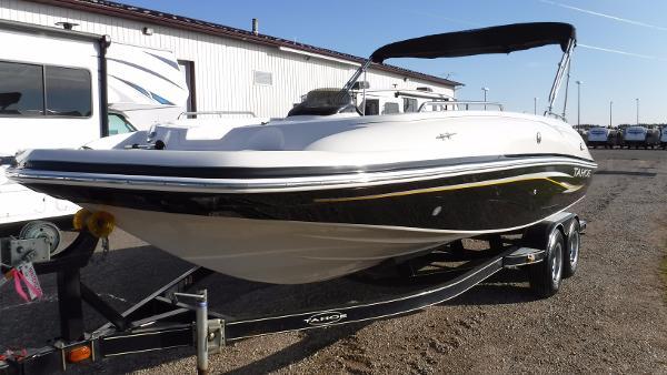 Tahoe Deck Boat 215 4.3 EFI