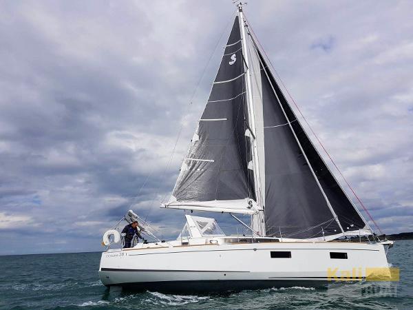 Beneteau Oceanis 38.1 IMG-20170811-WA0001