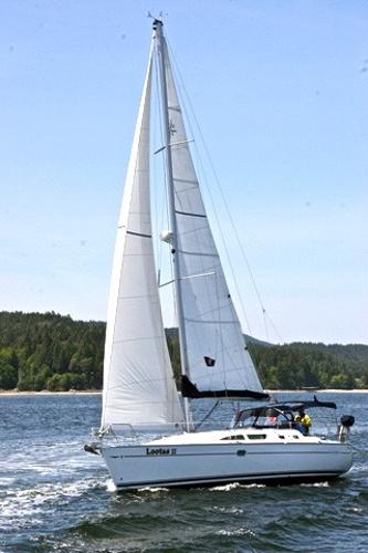 Jeanneau Sun Odyssey 37 Under Sail