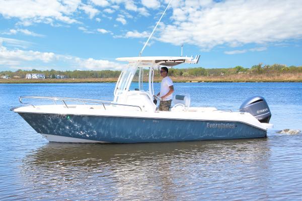 Everglades 230 CC