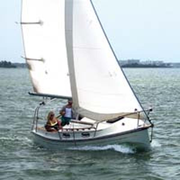 Com-Pac Eclipse Under sail