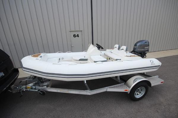 Zodiac Yachtline 440 Deluxe NEO 60hp In Stock