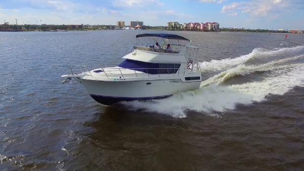 Carver 370 Aft Cabin Motoryacht