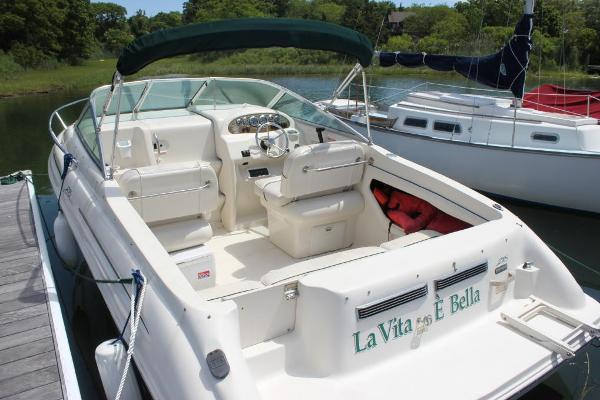 Sea Ray 215 Express Cruiser Port view
