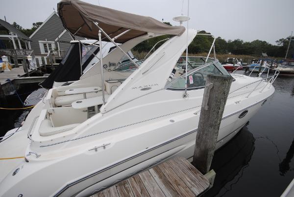 Maxum 3300 SCR Starboard View