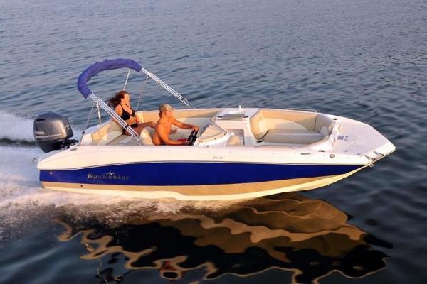 NauticStar 203 SC Deck