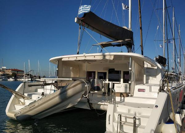 Lagoon 450 F Used Lagoon 450F for sale in Greece by Alvea Yachts