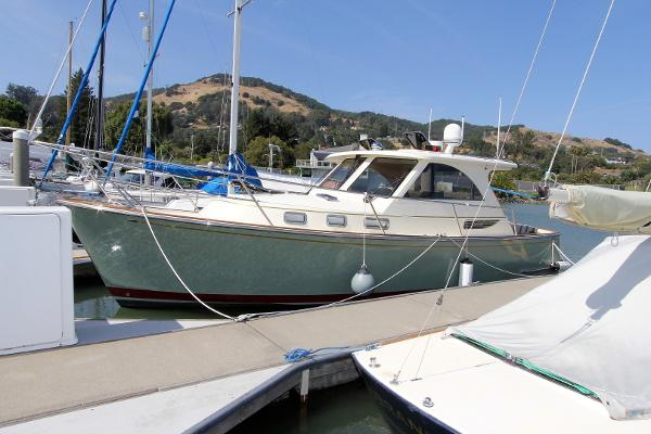 Legacy 32 Profile Port side