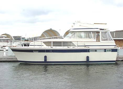 Chris-Craft 410 Commander Photo 1