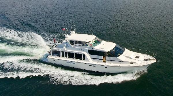 Pacific Mariner 65  SE Motoryacht Profile Cruising 1