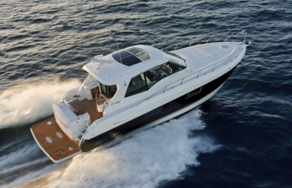 Cruisers Yachts 48 Cantius Manufacturer Provided Image