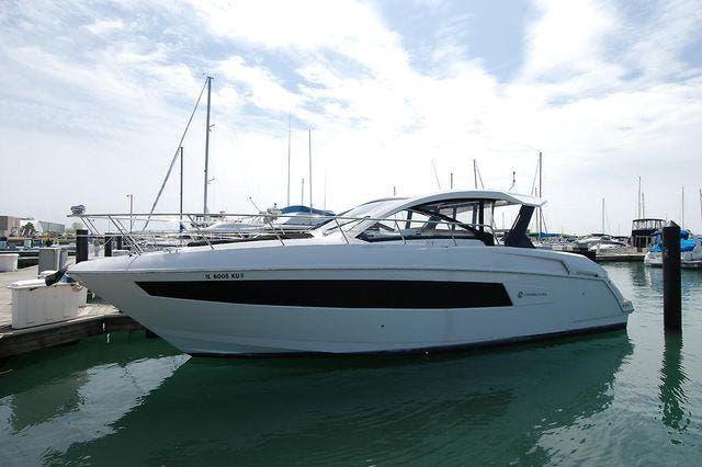 Cruisers Yachts 390 Express