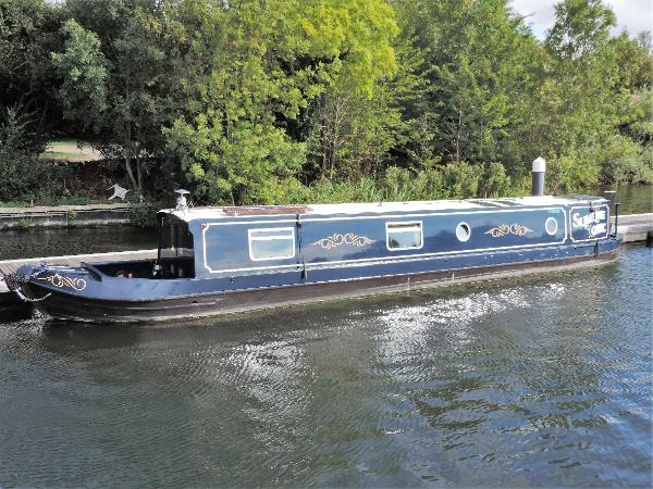 Narrowboat Modern Trad