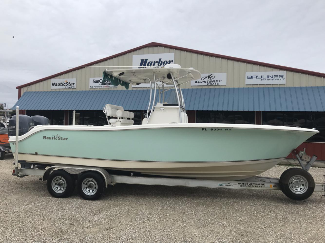 NauticStar XS Series Boat 2500 Off Shore 25 XS 25XS
