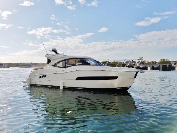 Carver C37 Express Coupe Sister Ship