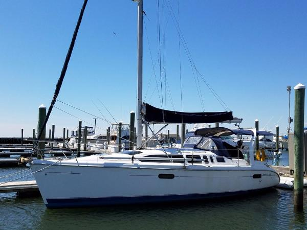 Hunter 340 Profile