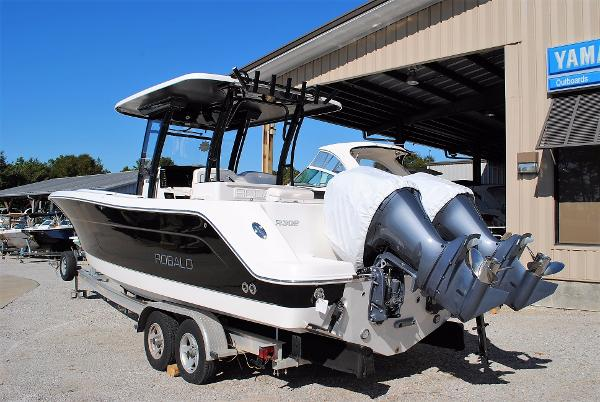 Robalo 302 Center Console 2017-Robalo-302-Walkaround-for-sale