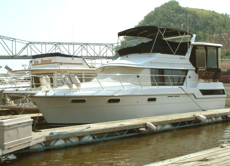 Carver 3807 Aft Cabin Motoryacht Photo 1