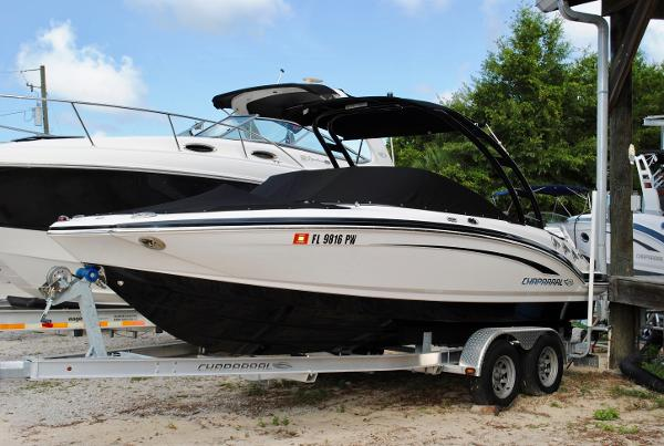 Chaparral 216 SSi 2015-CHAPARRAL-216-SSI-BOWRIDER-USED-RUNABOUT-FOR-SALE