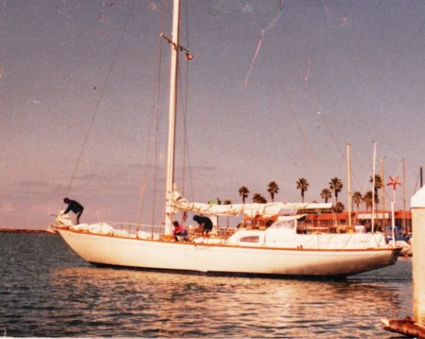 Columbia Yacht sloop Photo 1