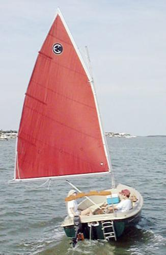 Compac Picnic Cat Picnic Cat under sail