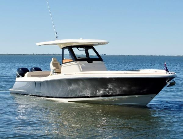 Chris-Craft Catalina 30 Center Console Main Profile
