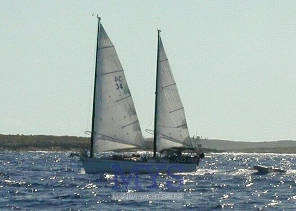 Mach I-freedom Boats 33 Freedom 33 (1)