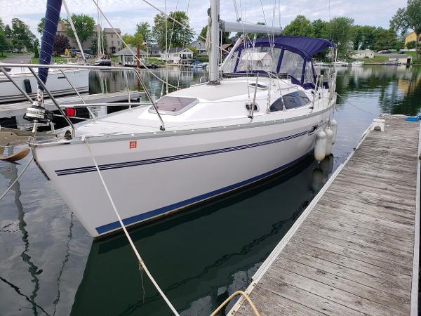 Catalina 315 At Dock