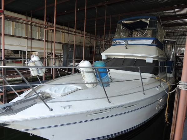 Sea Ray 360 Aft Cabin Port Bow