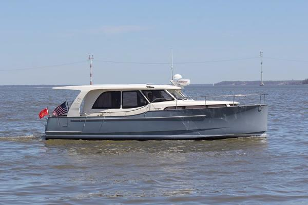 Greenline 33 Profile