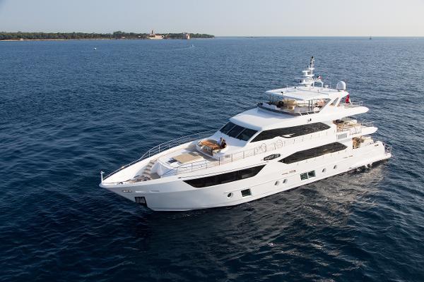 Gulf Craft Majesty 110 Motor Yacht