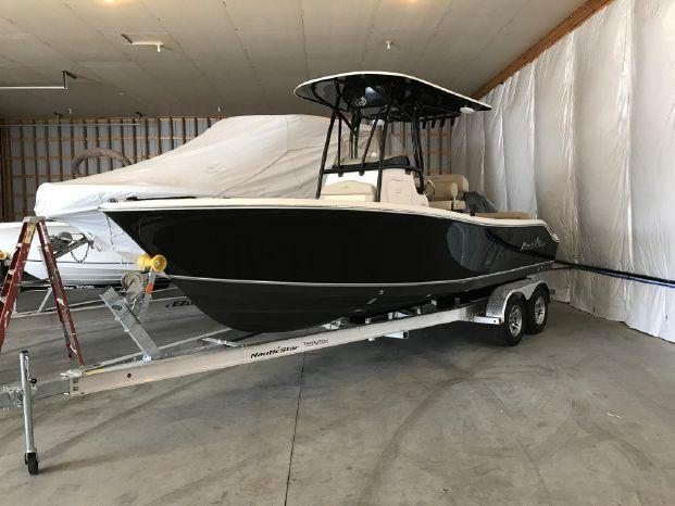 NauticStar 2302 LEGACY CENTER CONSOLE NS 2302 Legacy 2017 2.jpg