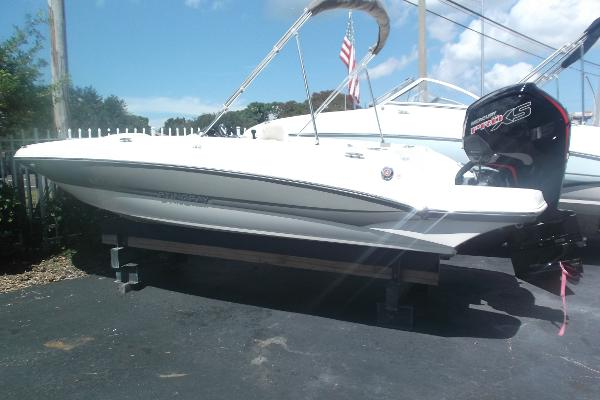 "Stingray 182 SC 19'1"" Outboard Deck Boat"