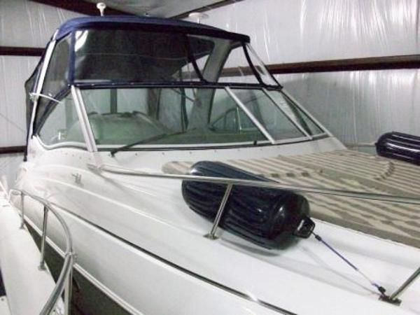 Cruisers 300 CXI with Air & Gen Bow View Storage