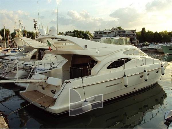 Ferretti Yachts 430 DSC00737.jpg