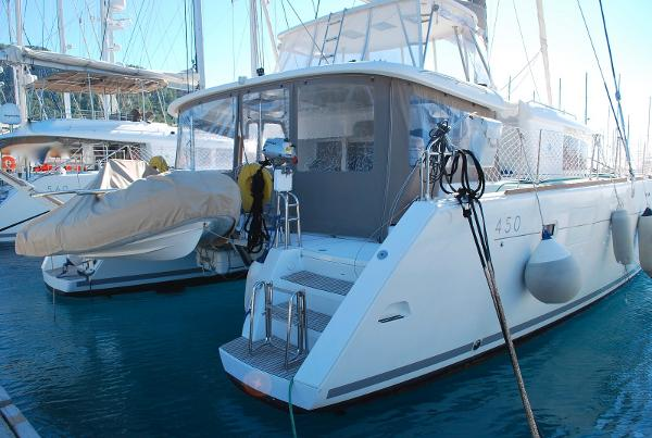 Lagoon 450 STARBOARD AFT VIEW