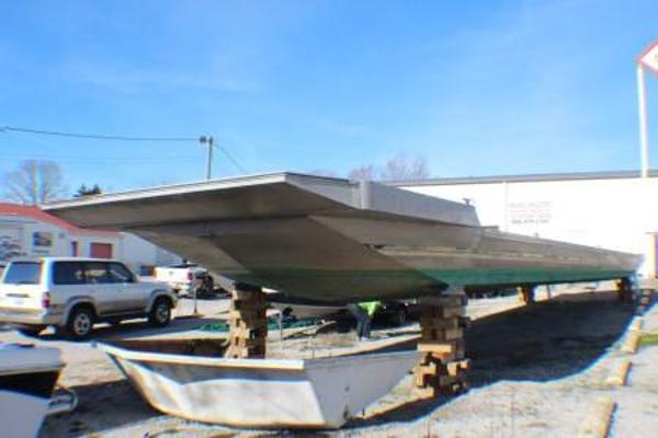 Sumerset Aluminum Hull w/Catwalks