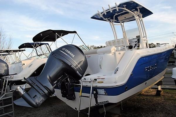 Robalo 222 Center Console 2017-Robalo-222-Center-Console-boat-for-sale