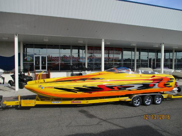 Eliminator Boats 33 Daytona