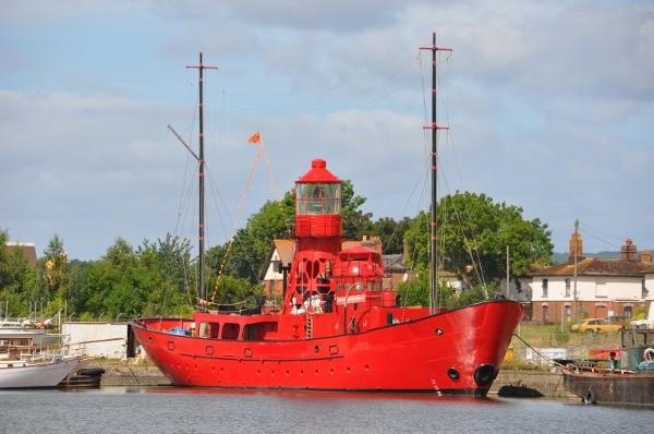 Custom Converted Ex Lightship/Liveaboard & Offices - No Engine Room