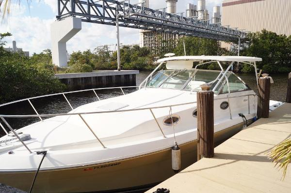Wellcraft 330 Coastal Wellcraft 330 Coastal