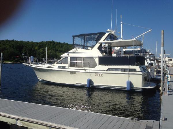 Tollycraft 40 Sundeck Motor Yacht