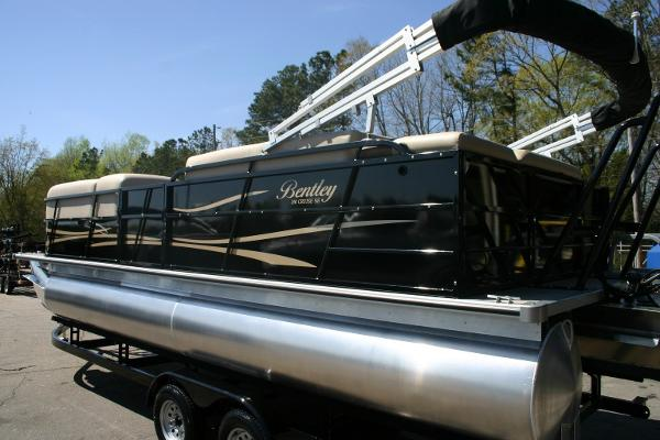 Bentley Pontoons 240 CRUISE SE