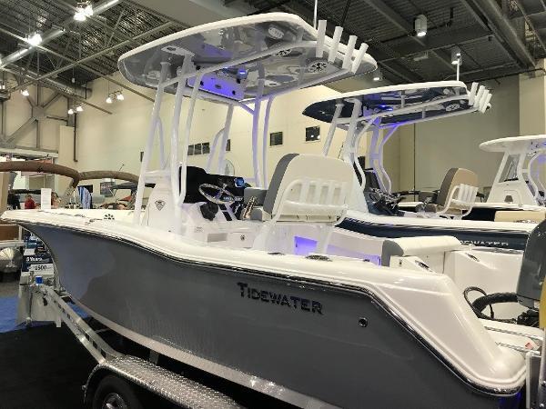 Tidewater 210 CC Exterior